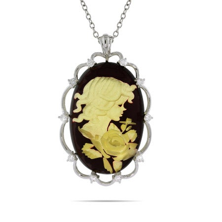 Vintage Style Cameo Pendant with Scalloped Edges