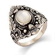 Sterling Silver Mother of Pearl Leaf Design Ring