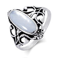 Sterling Silver Vintage Design Oval Mother of Pearl Ring