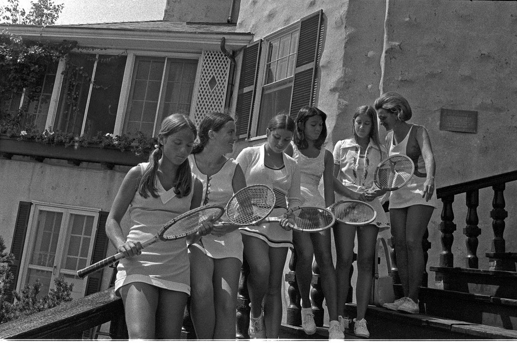 What is a tennis bracelet explained with chris everts tennis team