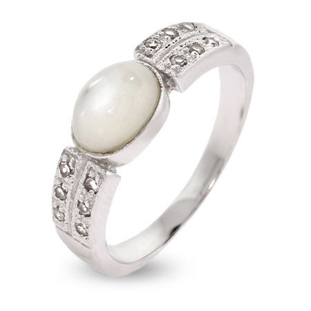 Modern Style Mother of Pearl Sterling Silver Ring | Eve's Addiction®