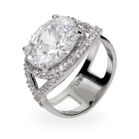 Oval Cut Pave CZ Right Hand Ring | Eve's Addiction