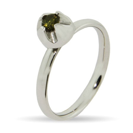 Peridot Flowerbud Stackable Ring | Eve's Addiction®