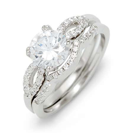 How to shop for a engagement ring and engagement ring set with brilliant cut cubic zirconia