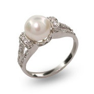 Vintage Style Sterling Silver Pearl Ring